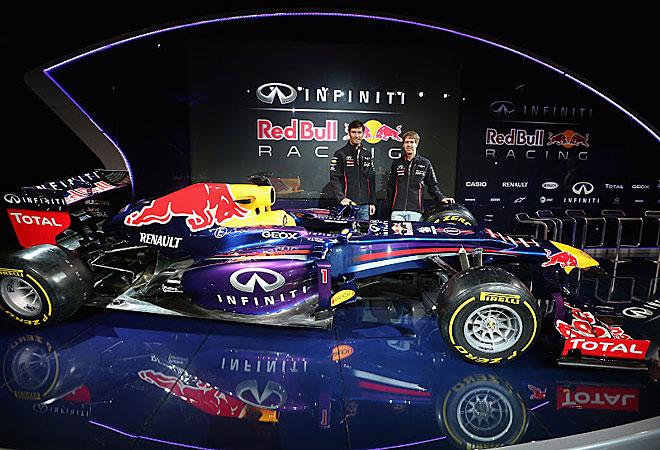 Webber y Vettel posan con el nuevo RB9.
