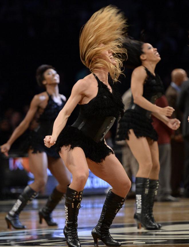 Ante todos ustedes... �las Brooklynettes!, las ya populares cheerleaders de los Nets.