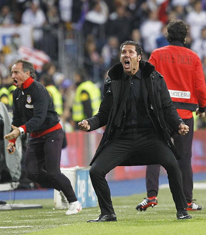 Simeone celebra el tanto del empate de Diego Costa.