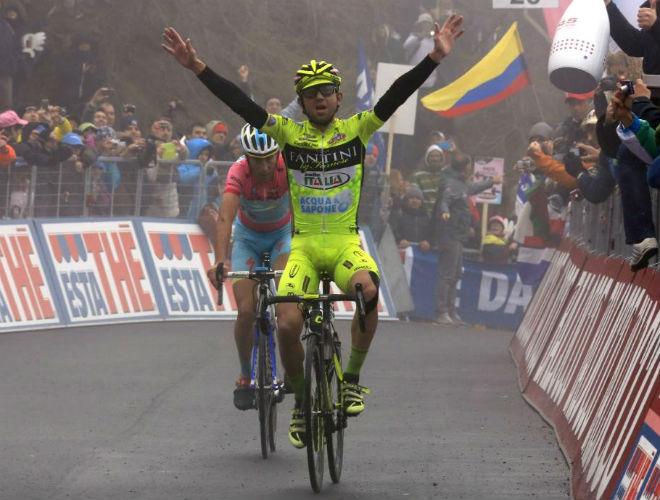 El mal tiempo no permitió recibir la señal de televisión y sólo se pudo ver a Nibali y Santambrogio salir desde la niebla en los últimos metros. El del Astana cedió el triunfo a su compatriota.