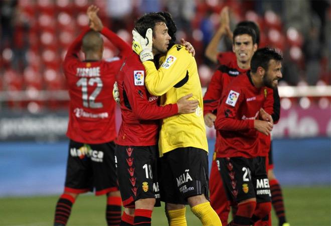 El Mallorca no pod�a hacer otra cosa que ganar y no fall�. Sigue vivo.
