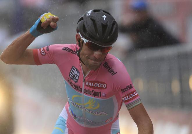 Vincenzo Nibali (Astana) se ha mostrado superior en la cronoescalada disputada entre Mori y Polsa, de 20,6 kil�metros, por lo que ha dado un paso decisivo a tres d�as del final del Giro de Italia.