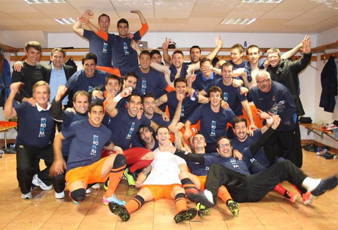 La fiesta en el vestuario visitante de Riazor fue de �poca. La Real Sociedad acab� cuarta del campeonato.