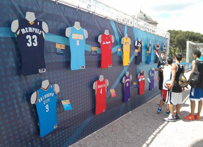 La NBA par� su Tour del 3X en Madrid y la Plaza de Col�n disfrut� con el mejor baloncesto del mundo y numerosas actividades. La canasta tuvo su hueco durante el fin de semana en la capital de Espa�a.