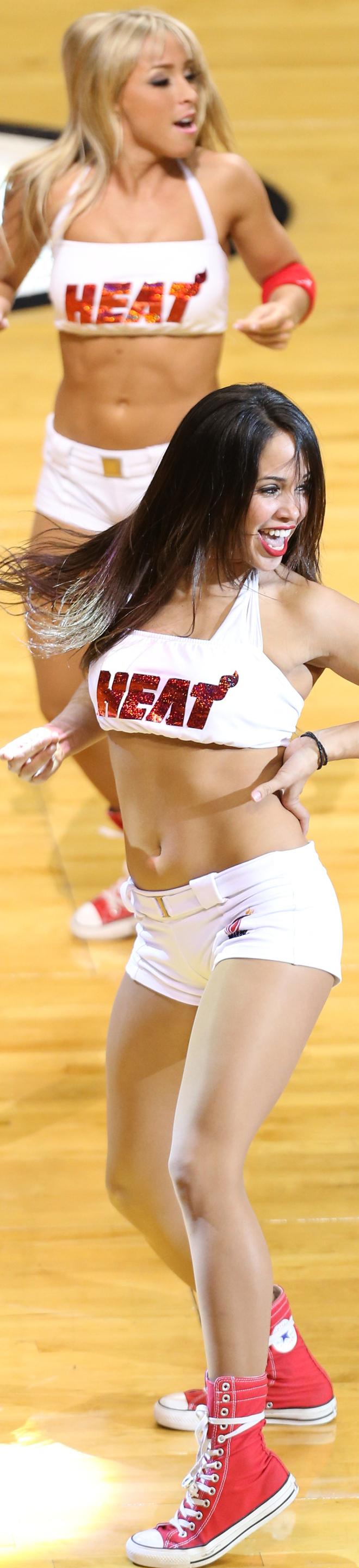Las cheerleaders de los Heat ayudaron a su equipo a ganar a los Spurs y empatar las Finales de la NBA.