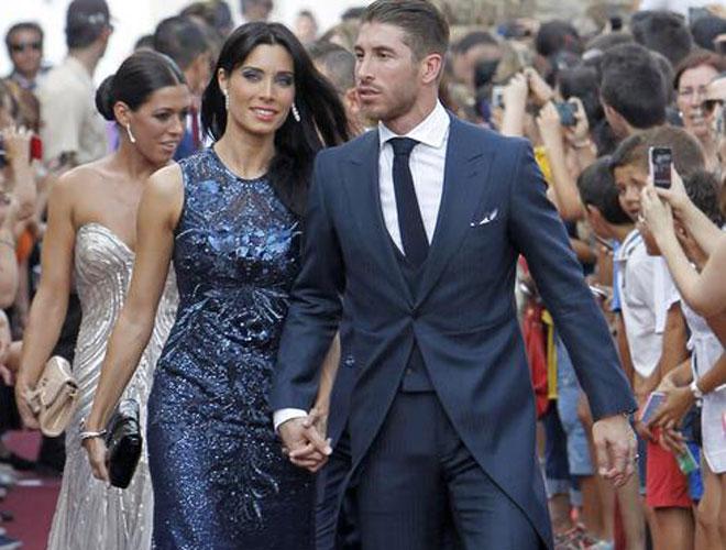 El futbolista del Real Madrid, que no se incorpora a los entrenamientos hasta el d�a 22 de julio, acudi� a la boda de su amigo el torero Alejandro Talavante, acompa�ado de su novia, la presentadora Pilar Rubio.