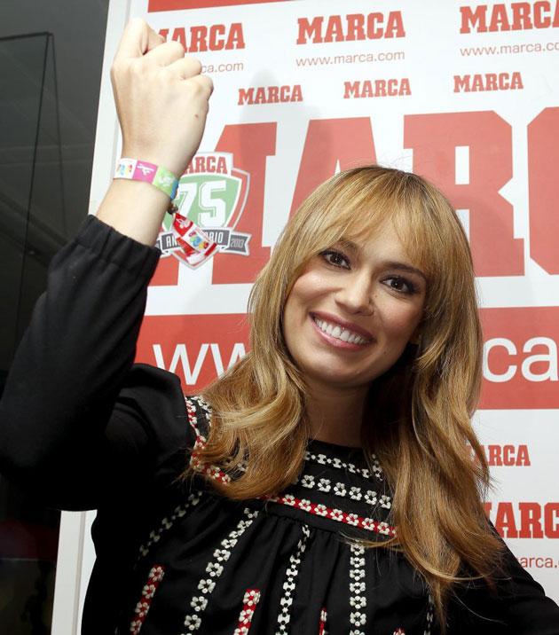 La actriz y presentadora reapareció espléndida tras su reciente maternidad y presumiendo de pulsera M2020.