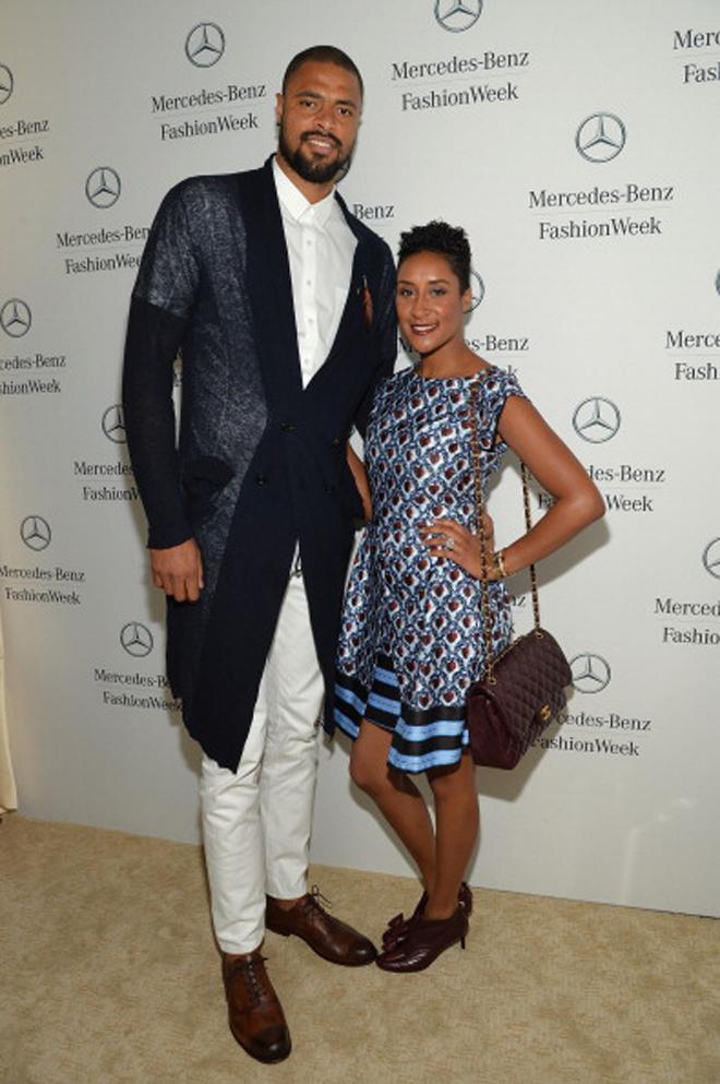 Tyson Chandler, acompa�ado por su esposa Kimberly, no quiso perderse una fiesta de Mercedes-Benz.