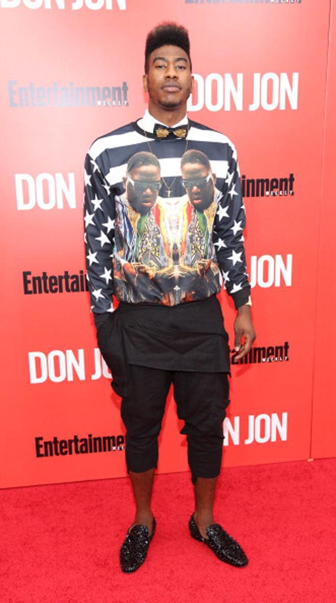 Iman Shumpert, jugador de los Knicks, se present� de esta guisa al estreno de 'Don Jon' en Nueva York.