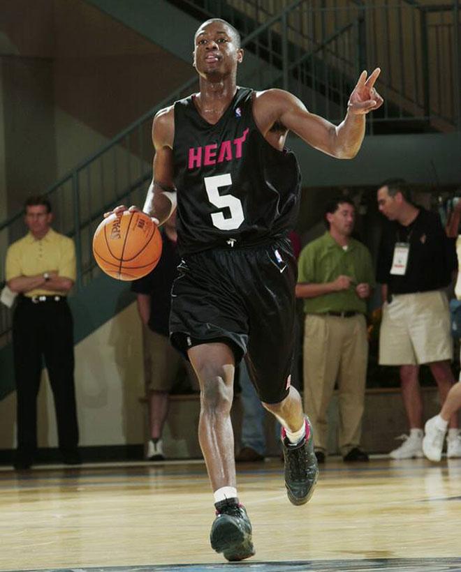 La mayor�a de estrellas de la NBA han pasado por la Summer League de Orlando o de Las Vegas. Disfruta con las primeras im�genes de los jugadores m�s importantes del mundo cuando eran unos reci�n llegados a la liga.