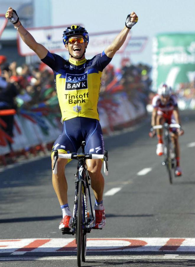 Nicolas Roche dedicó su triunfo a su familia, en especial a su padre, Stephen, que nunca pudo ganar una etapa en la Vuelta, y a Contador tras conocerse las nuevas declaraciones contra él de uno de sus patrocinadores, Oleg Tinkov.