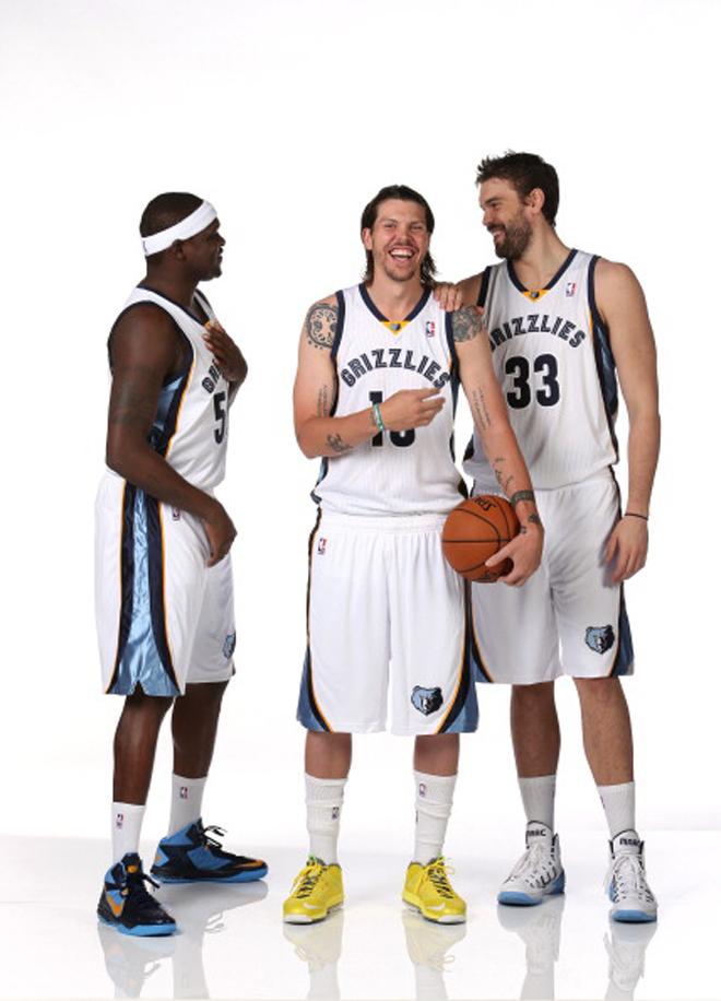 V�ctor Claver (Blazers, Pau Gasol (Lakers), Marc Gasol (Grizzlies, Jos� Manuel Calder�n (Mavericks), Ricky Rubio (Timberwolves) y Serge Ibaka (Thunder) se pusieron de largo de cara a la temporada NBA 2013-2014 en el Media Day de sus respectivos equipos.