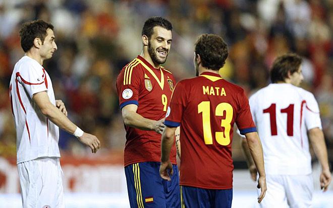 Chelsea player Juan Mata scored the second goal for Spain.