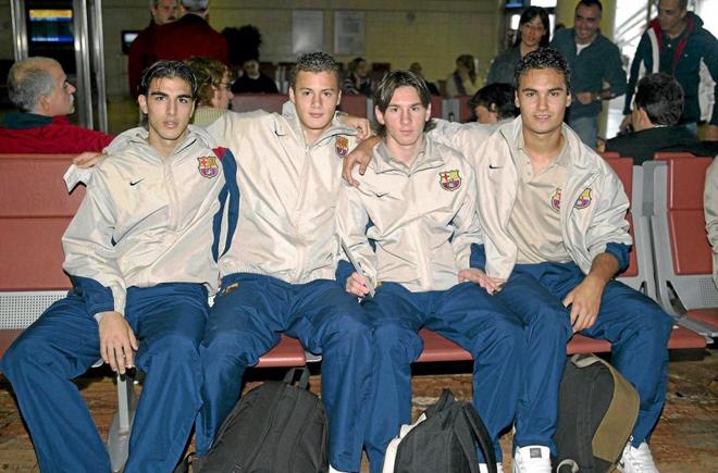 Junto a otros compañeros de los filiales del Barcelona: Jordi Gómez, Oriol Riera y Xavier Ginard.