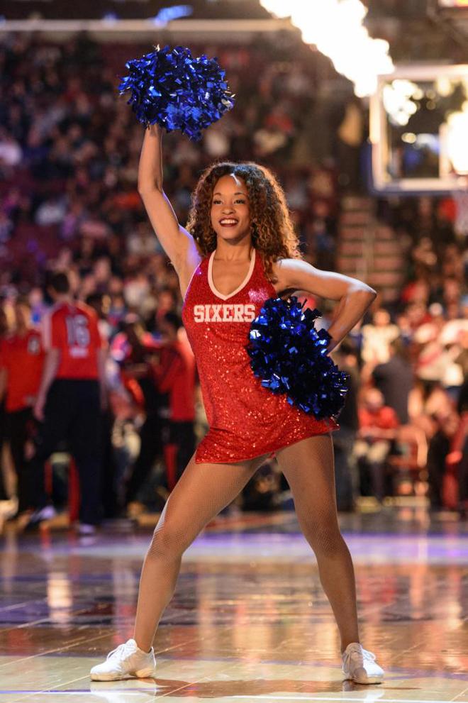 A pesar de la derrota, las cheerleaders de los Sixers hicieron todo lo que estuvo en su mano para intentar caldear el ambiente en Philadelphia