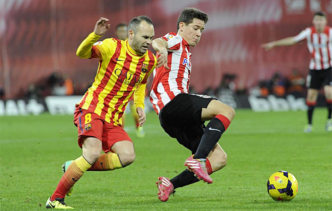 Ander Herrera y Andrés Iniesta, un duelo con mucha clase.