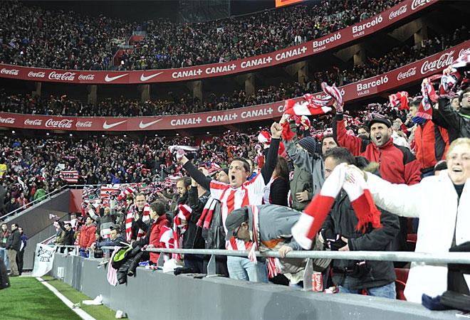 La afición del Athletic disfrutó de lo lindo con su equipo.