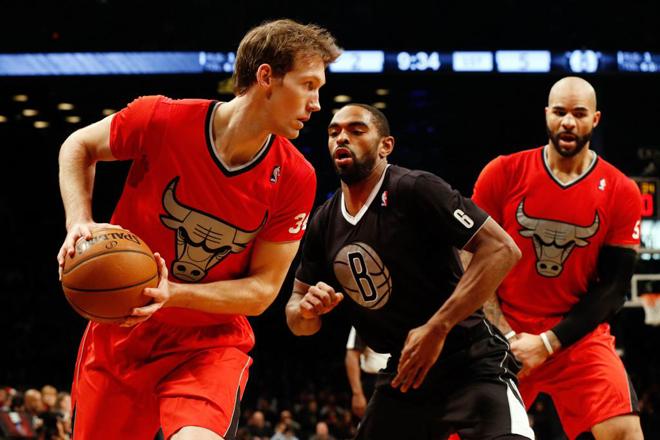 Mike Dunleavy (Bulls) y Alan Anderson (Nets) en la jornada de Navidad de la NBA.