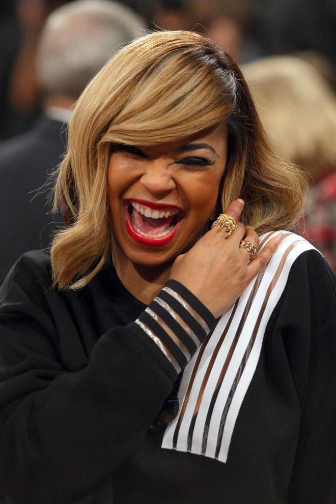 La cantante Ashanti no quiso perderse en el Madison el partido entre Knicks y Blazers.