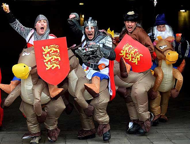 Como auténticos caballeros de la Edad Media, las huestes de la afición inglesa asaltó Murrayfield. Y el 'XV de la Rosa' no se quedó atrás, ni mucho menos.