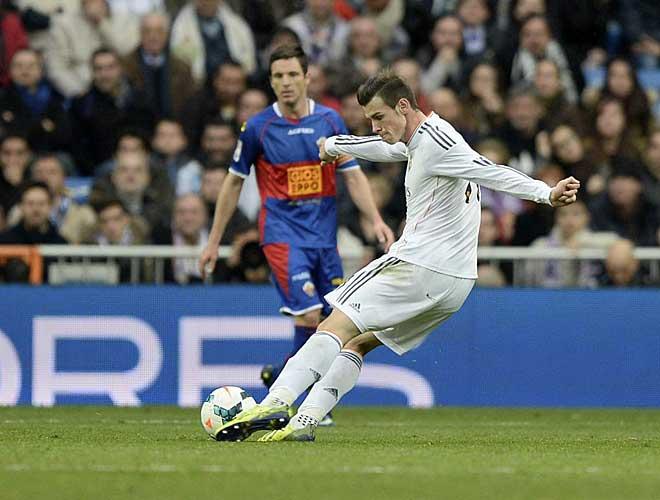 De esta forma golpe� Bale la pelota que supuso el 2-0.