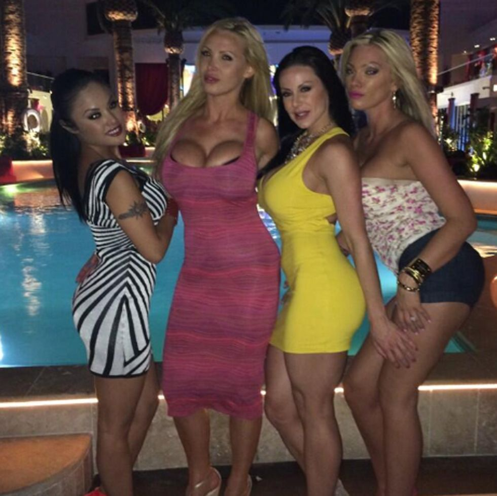 Actriz Porno Del Betis la actriz porno kendra lust no se pierde esas fiestas - foto