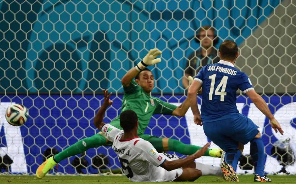 Keylor Navas hizo una de las paradas del Mundial.