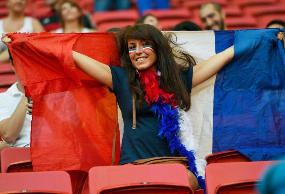 Esta aficionada francesa no podía perderse la cita de Brasilia. Su país buscaba los cuartos del Mundial.