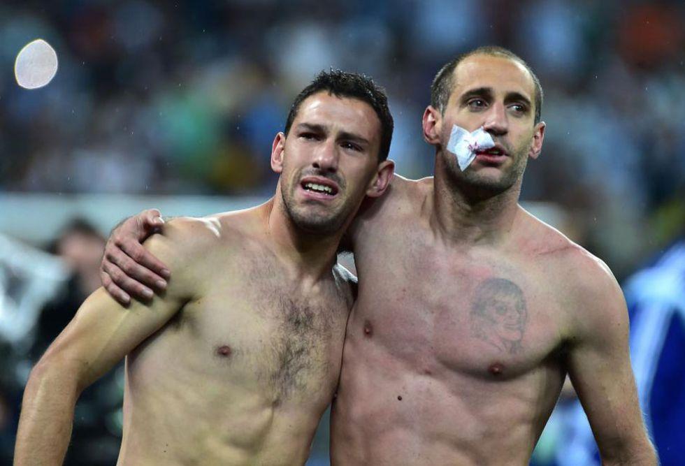 Zabaleta acabó así, pero daba igual. Argentina tenía que celebrarlo.