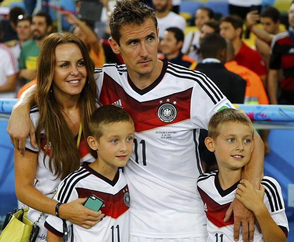 Klose celebr� el t�tulo junto a su familia.