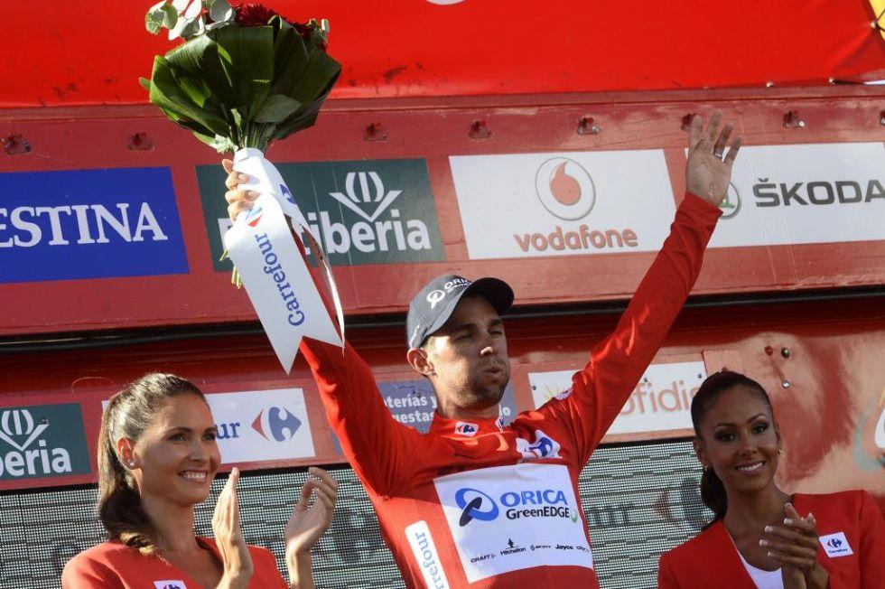 Michael Matthews logr� vestirse con el maillot rojo como nuevo l�der de la clasificaci�n general.
