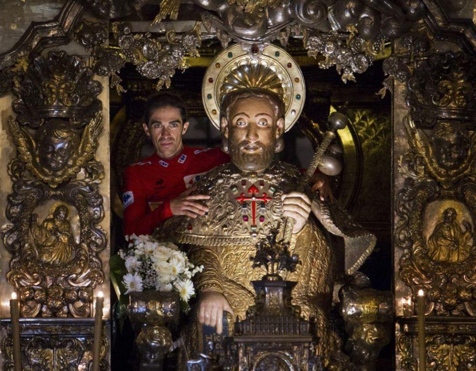 Contador pos� as� con la figura del ap�stol Santiago de Compostela.