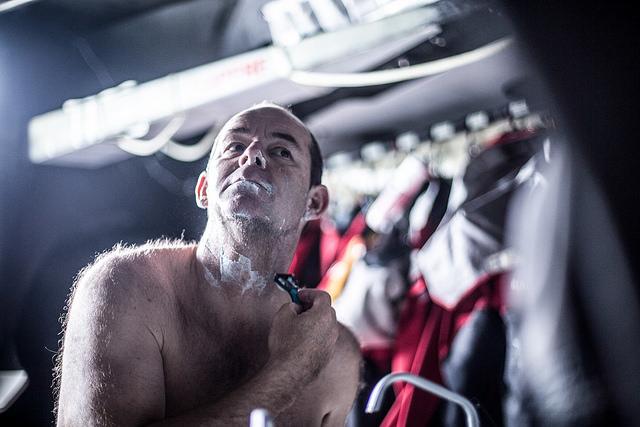 El navegante franc�s Jean Luc Nelias es uno de los tripulantes de refresco en la segunda etapa.