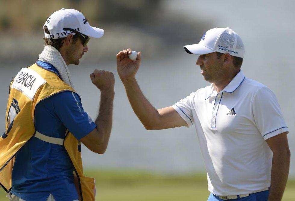 """Sergio Garc�a disputa el Thailand Golf Championship con Juan Carlos Ferrero a los mandos de su bolsa. """"He jugado al golf muchas veces con Juan Carlos, pero nunca me ha hecho de caddie. Hace poco estuvimos hablando del tema y decidimos hacerlo"""", asegur� Sergio Garc�a."""