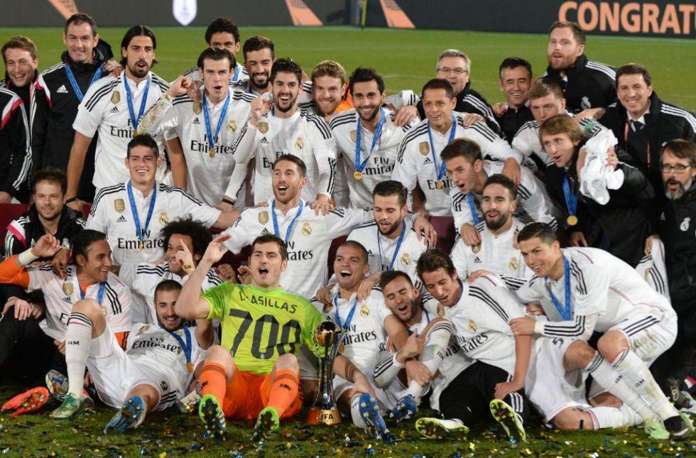 Fiesta en el Madrid e Iker Casillas con su camiseta 700.