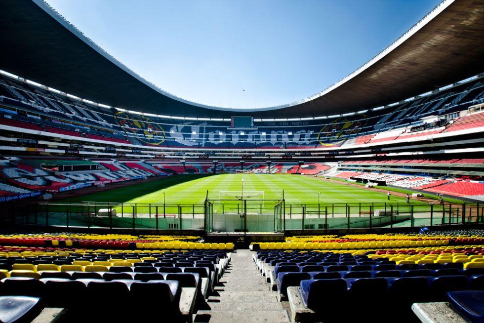<strong>3. Estadio Azteca: </strong> En él se juegan los partidos del Club América y la Selección de fútbol de México. Tiene una capacidad de 105.064 espectadores.