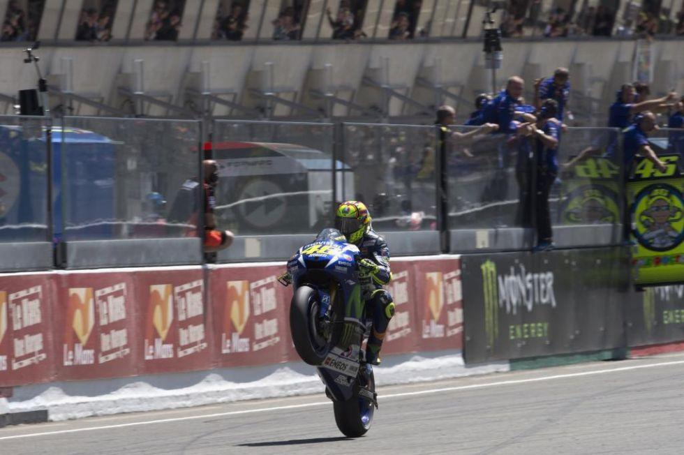 Caballito de Rossi al entrar en meta.
