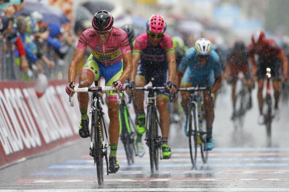 Alberto Contador demostr� su enorme ambici�n y sprint� para terminar segundo, lograr bonificar y sacar incluso algunos segundos m�s a sus rivales directos de la general.
