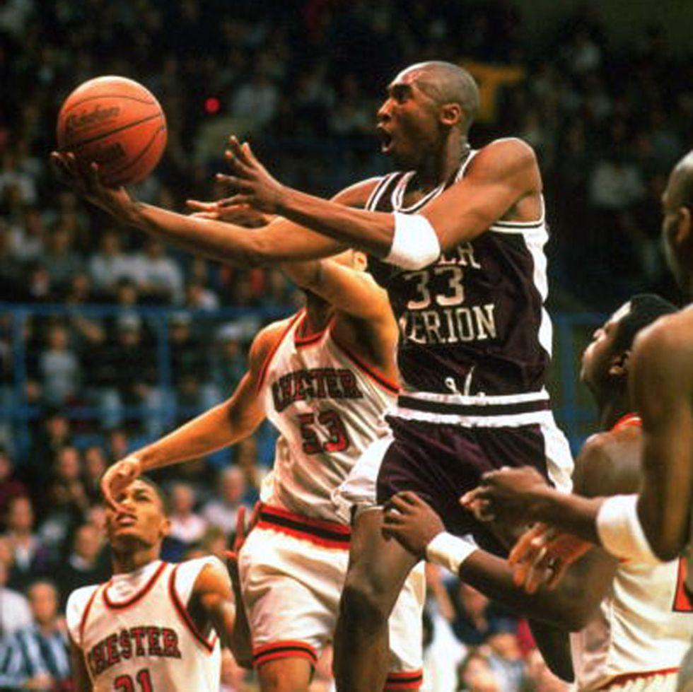 Kobe Bryant con la camiseta del Lower Marion High School