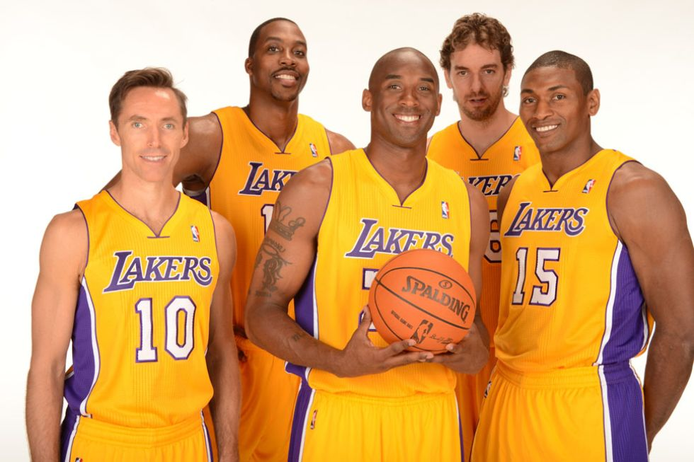 Steve Nash, Dwight Howard, Kobe Bryant, Pau Gasol y Metta World Peace.