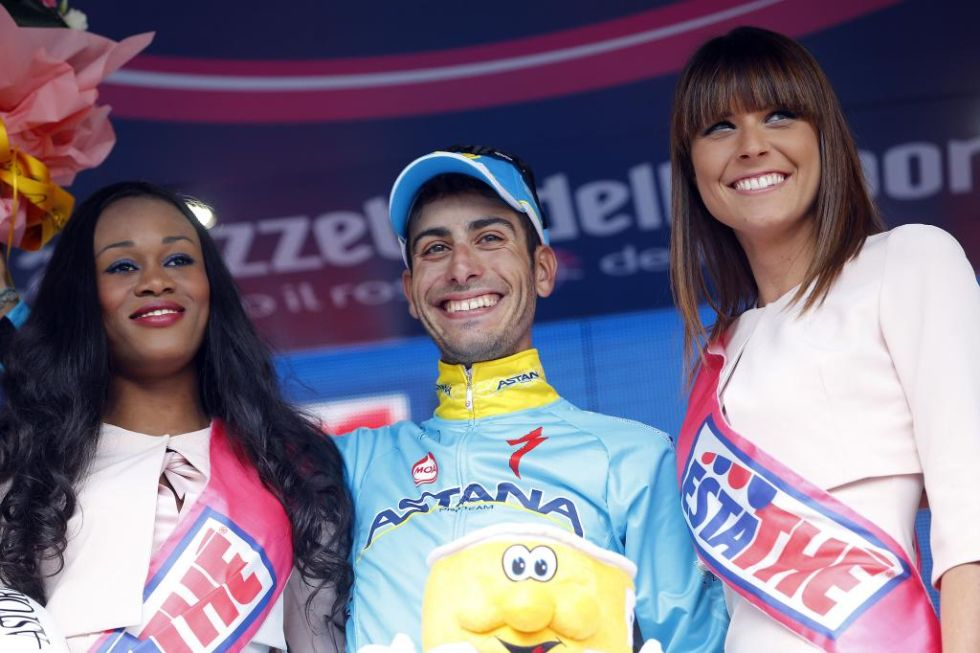 Despu�s de unos d�as un poco serio por el tiempo que perdi� en la general, Fabio Aru recuper� su gran sonrisa al colocarse de nuevo segundo en la general.