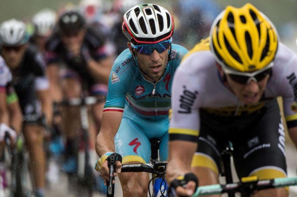 El italiano se dej� casi minuto y medio con Contador y Froome en una jornada muy desafortunada para �l.
