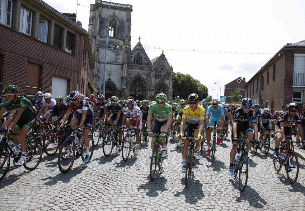 Tony Martin junto con Andr� Greipel al inicio de la 6� etapa.