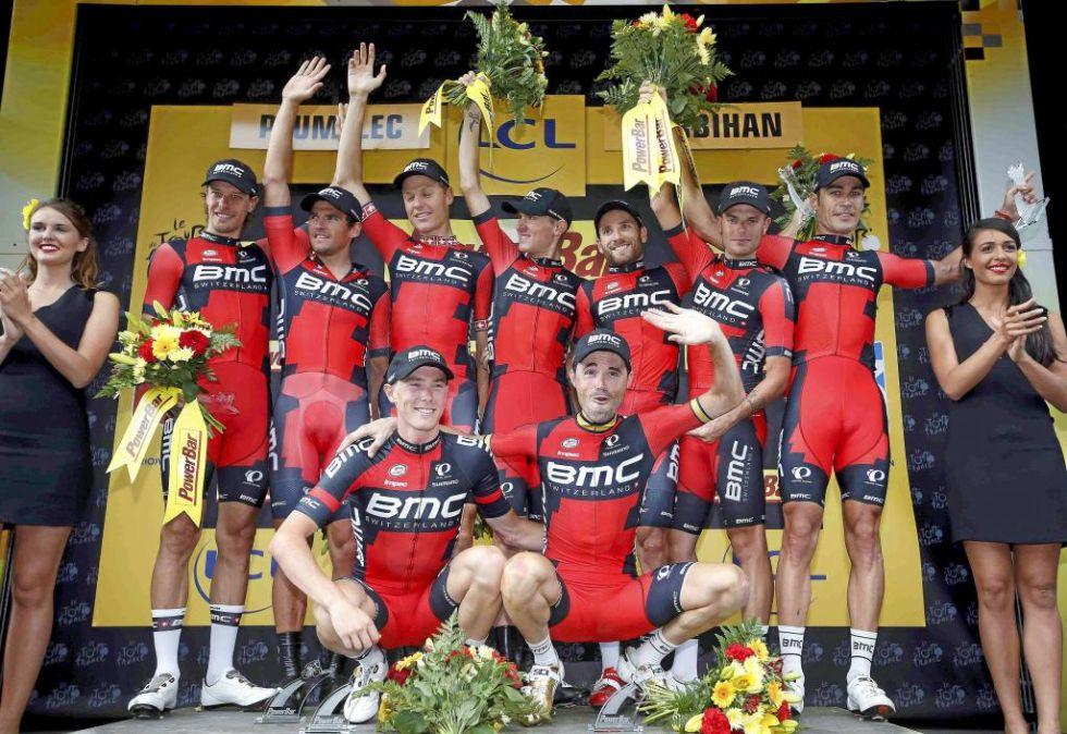 El BMC ganó por un solo segundo la crono por equipos del Tour de Francia.