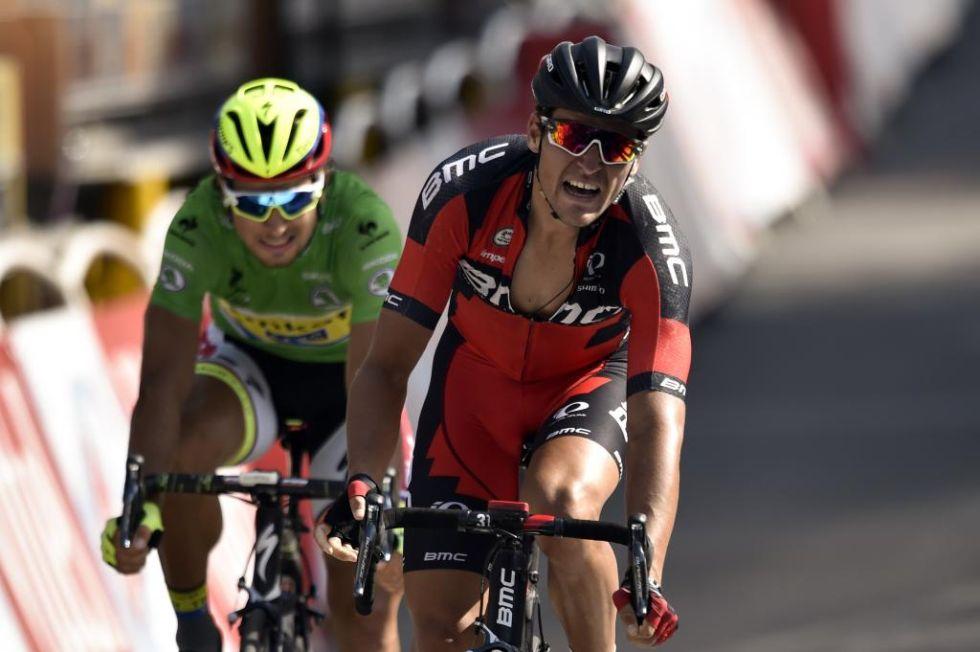 El ciclista belga al fin logra una etapa en el Tour, tras un agónico sprint con Sagan.