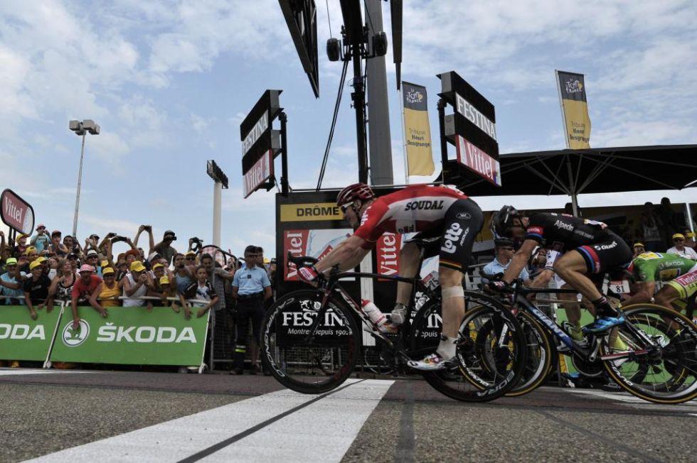 El spinter alemán sumó su tercera victoria en esta edición del Tour, y lo hizo con superioridad.