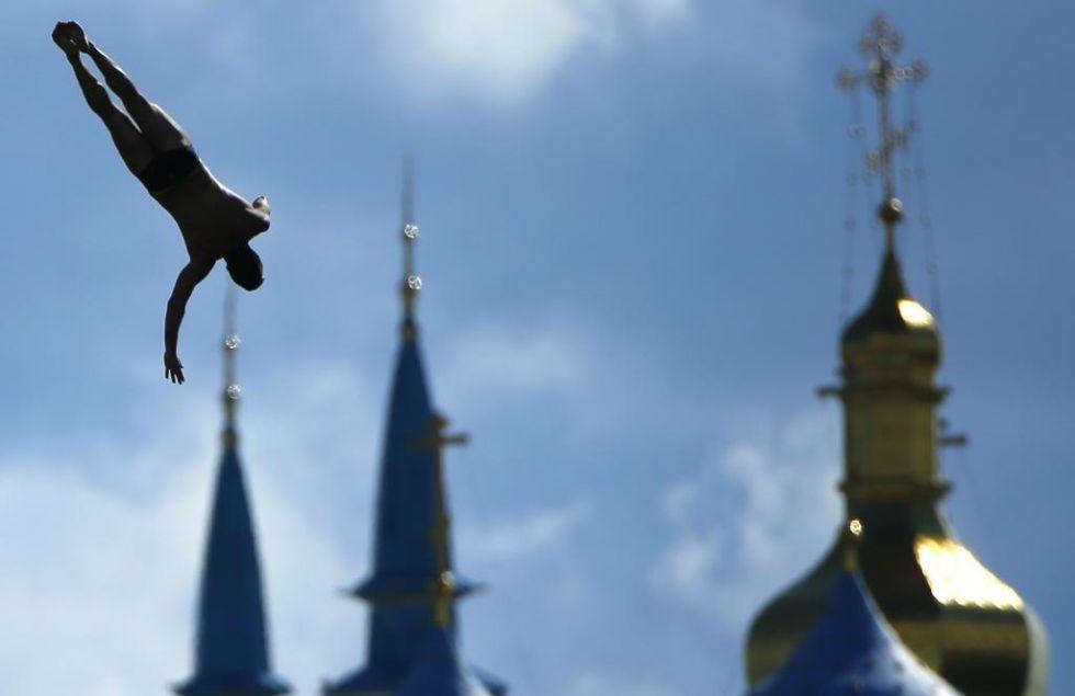 El francés se tira de cabeza en la preliminar de high diving en Kazán.