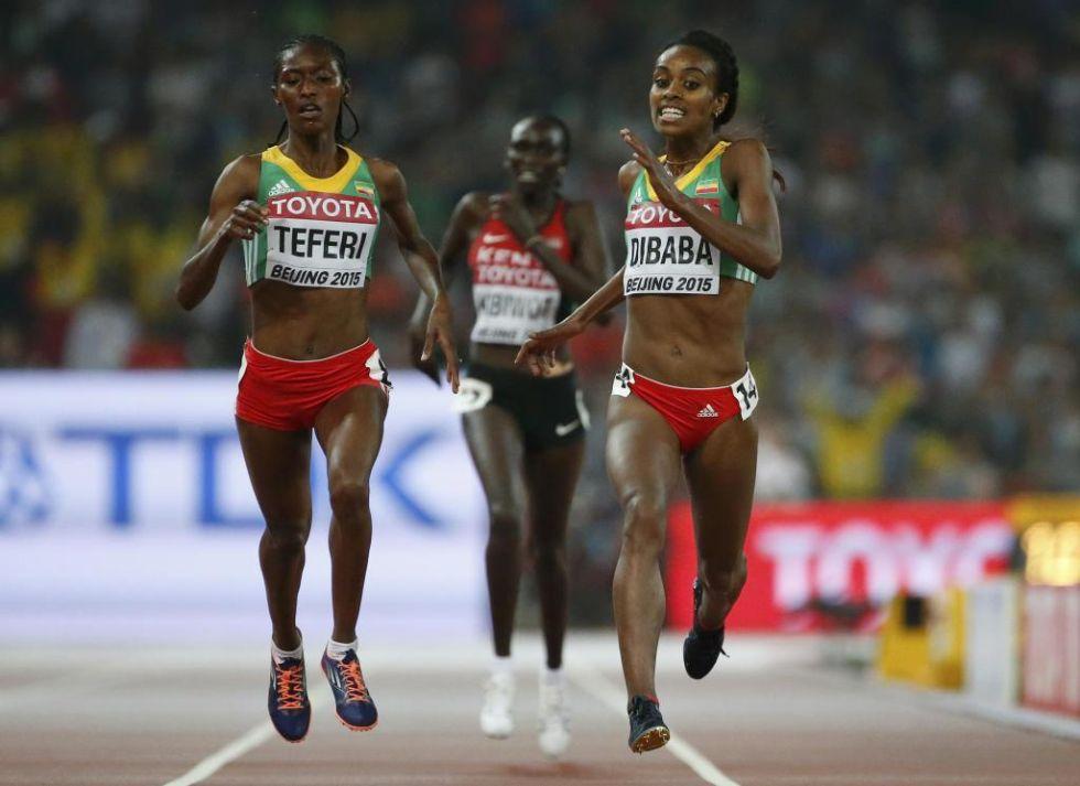 Senbere Teferi adelant� en los �ltimos metros a Genzebe Dibaba quit�ndole la medalla de plata.
