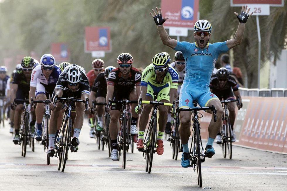 El italiano Guardini, del Astana, se impuso al sprint en la primera etapa por delante de Boonen y Benatti.