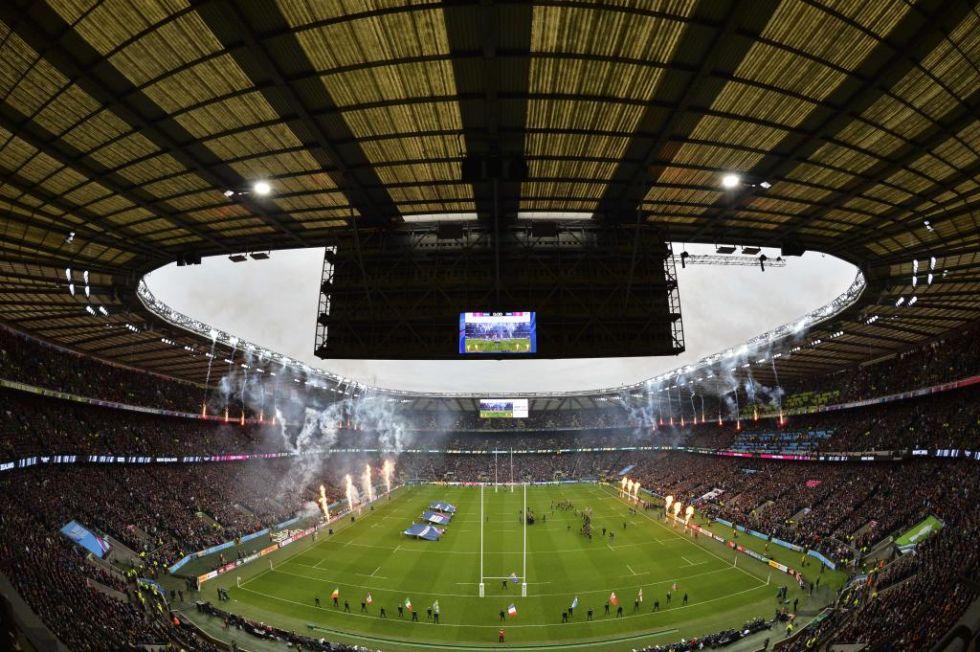 Impresionante imagen de Twickenham al comienzo de la primera semifinal de la RWC entre Nueva Zelanda y Sudáfrica.